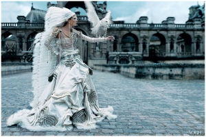 maggie-rizer-in-jean-paul-gaultier-paris-couture-bride-photographed-by-craig-mcdean-vogue-october-2002