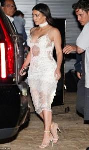 Kim Kardashian in Ermanno Scervino -2016.5.27-