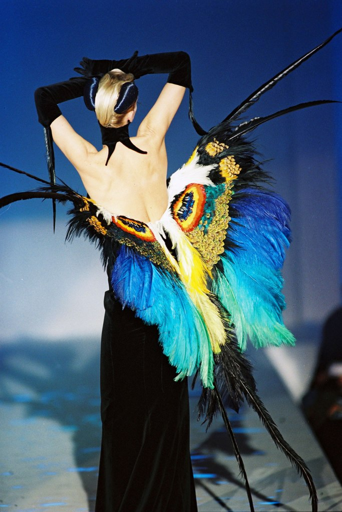 Thierry-Mugler-Haute-Couture-Collection-Spring-Summer-1997