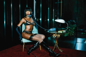Naomi-Campbell-in-Evalyne-for-Agent-Provocateur