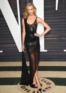 vanity-fair-oscar-2015-after-party-karlie-kloss-atelier-versace-2
