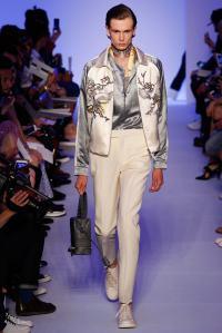 Louis Vuitton37