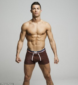 2B2C28AB00000578-3187724-Cristiano_Ronaldo_has_unveiled_his_new_underwear_range_by_showca-a-11_1438935429311