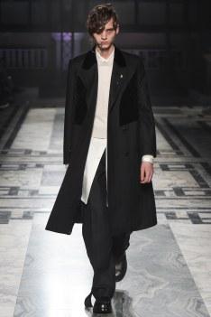 Alexander McQueen Fall 2016 Menswear-1