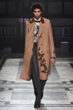 Alexander McQueen Fall 2016 Menswear-11