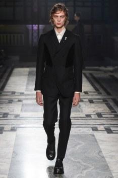 Alexander McQueen Fall 2016 Menswear-2