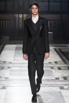 Alexander McQueen Fall 2016 Menswear-6