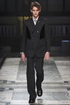 Alexander McQueen Fall 2016 Menswear-9