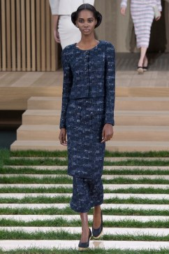 Chanel Spring 2016 Couture Look 10