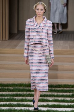 Chanel Spring 2016 Couture Look 11