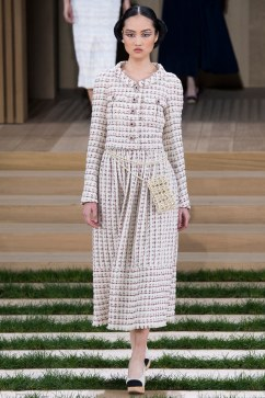 Chanel Spring 2016 Couture Look 12