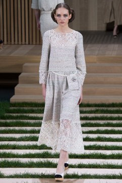 Chanel Spring 2016 Couture Look 15