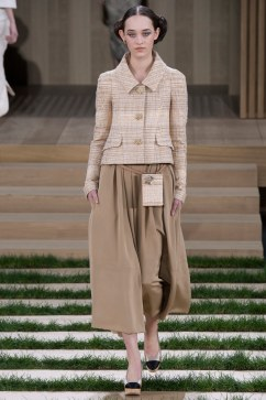 Chanel Spring 2016 Couture Look 16