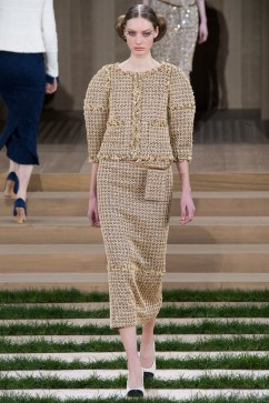 Chanel Spring 2016 Couture Look 18