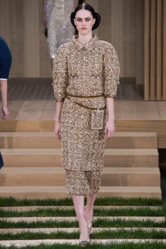 Chanel Spring 2016 Couture Look 19