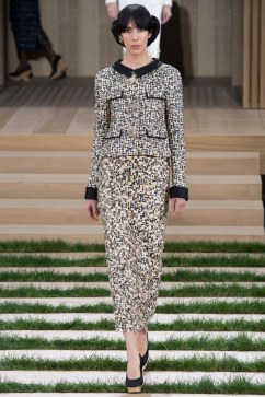 Chanel Spring 2016 Couture Look 21