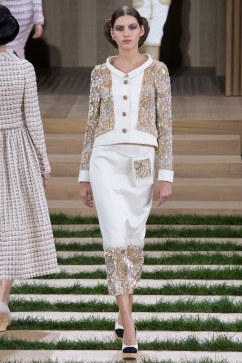 Chanel Spring 2016 Couture Look 22