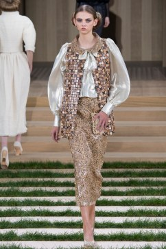 Chanel Spring 2016 Couture Look 24