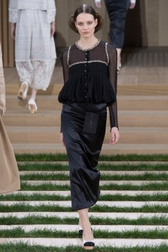Chanel Spring 2016 Couture Look 25