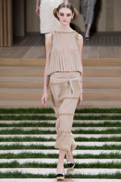 Chanel Spring 2016 Couture Look 32