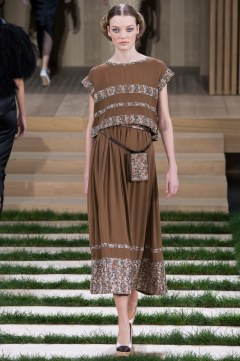 Chanel Spring 2016 Couture Look 38