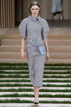 Chanel Spring 2016 Couture Look 4