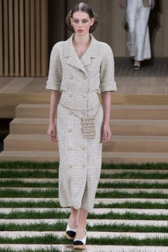 Chanel Spring 2016 Couture Look 5