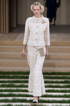 Chanel Spring 2016 Couture Look 6