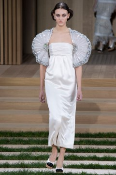 Chanel Spring 2016 Couture Look 63