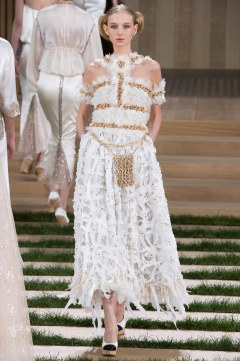 Chanel Spring 2016 Couture Look 69