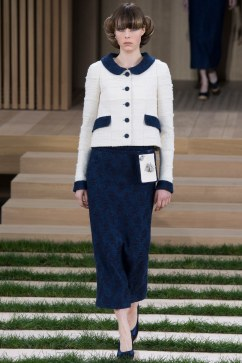 Chanel Spring 2016 Couture Look 7