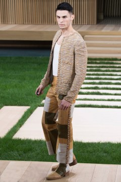 Chanel Spring 2016 Couture Look 74