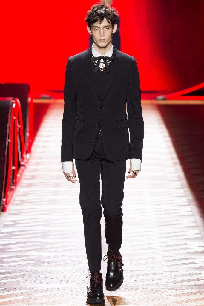 Dior Homme Fall 2016 Look 1