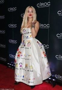 Rita Ora in Dolce&Gabbana Fall 2015 -2016.1.2-