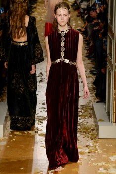 Valentino Spring 2016 Couture Look 10