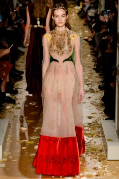 Valentino Spring 2016 Couture Look 11