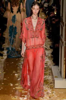 Valentino Spring 2016 Couture Look 14