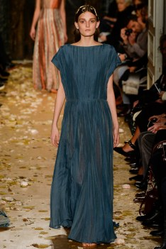 Valentino Spring 2016 Couture Look 15