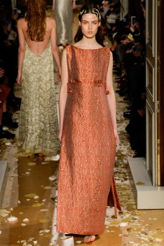 Valentino Spring 2016 Couture Look 19