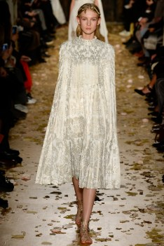 Valentino Spring 2016 Couture Look 21