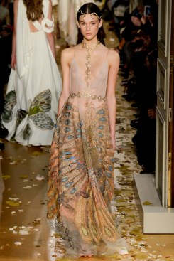 Valentino Spring 2016 Couture Look 26