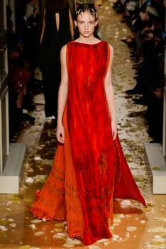 Valentino Spring 2016 Couture Look 3