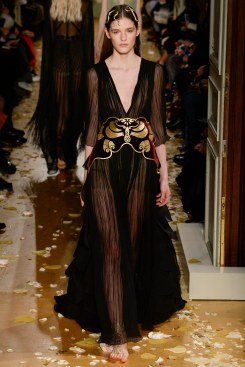 Valentino Spring 2016 Couture Look 32