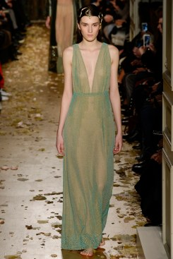 Valentino Spring 2016 Couture Look 33