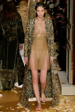 Valentino Spring 2016 Couture Look 35