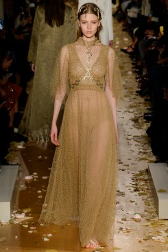 Valentino Spring 2016 Couture Look 42