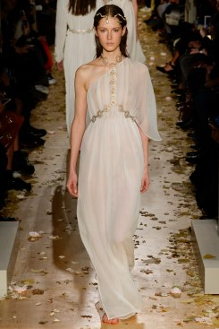 Valentino Spring 2016 Couture Look 44