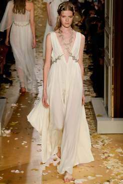 Valentino Spring 2016 Couture Look 45
