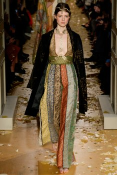 Valentino Spring 2016 Couture Look 5
