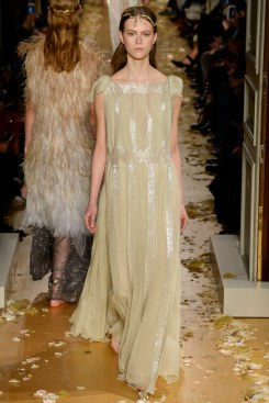 Valentino Spring 2016 Couture Look 60